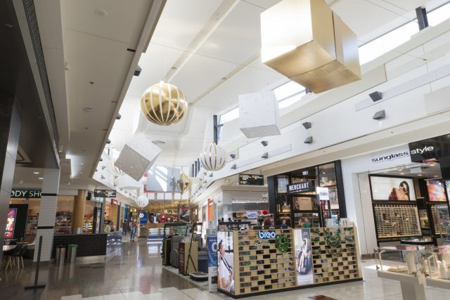 xmas-display-decorators-auckland-sylvia-park-0